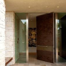 Contemporary Entry by Louie Leu Architect, Inc.