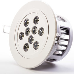 9 Watt LED Recessed Light Fixture - Aimable and Dimmable - Recessed Downlight with 9 x 1 Watt High Power LEDs. 95~140V AC operation. Available in Natural White - 4000K @ 620 or Warm White - 3000K @ 600 lumen with medium spot 45 degree beam angle. White ABS housing with integral heatsink and polycarbonate lenses. Flush mounts in 4 inch hole with spring retaining clips. Pivots +/-30 degrees on one axis. Easily removed from flush mount bracket. Constant current dimmable driver included.