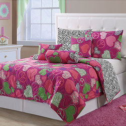 None - Ashley 6-piece Quilt Set - Redecorate your bedroom with this six-piece Ashley bedding set,which includes a quilt,a sham,and a variety of pillows. Its shades of pink add cheerful brightness to your room,and the quilt's polyester backing and cotton filling make it comfortable.