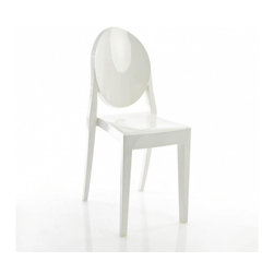 Kartell - Victoria Ghost Chairs, Matte Glossy White, Set of 2 - Pared down to an essential form that's been boldly reinterpreted in batch-dyed polycarbonate, this chair weds classic, baroque style with an innovative modern design. The medallion-shaped backrest and linear seat offer you a sleek sophisticated seating option that sits well in practically any setting — indoors or out.