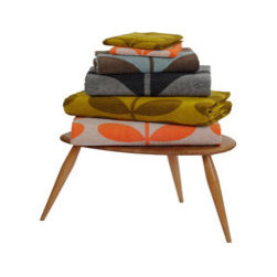 Stem Jacquard Towel - Bring a taste of Ireland into your home with these bold towels by Irish designer Orla Kiely. They are a fun way to brighten up a bathroom.