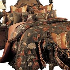 Traditional Bedding by Carolina Rustica