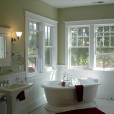 Traditional Bathroom by Doma Architects, Inc.