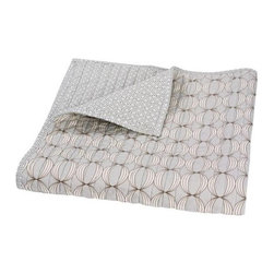 Dwellstudio Organic Quilted Play Blanket - The Dwellstudio Organic Play Blankets coordinate smartly with the rest of the Organic line no matter how you put them together - organic is invitingly soft that guarantees a beautiful night's sleep.