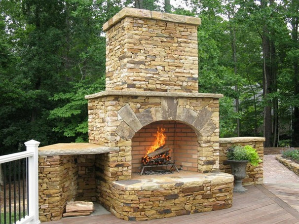 Traditional Outdoor Fireplaces by Doctor Flue inc