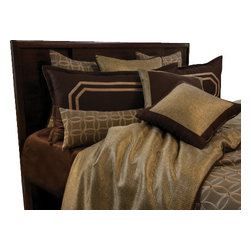 Chocolate Wallis Duvet Set, Ultra King - A Sophisticated pallet of Brown and Bronze. Grommet pillow embellished rich texture gives this set a masculine look.