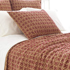 Pine Cone Hill - cross-stitch quilt (gold) - Create a cozy private getaway filled with the natural textures, breezy blues and casual patterns of our blakely bunkhouse bedding collection. Smart and contemporary but effortlessly down-to-earth, the graphic patterns and soft textures blend with a soothing palette to create comfortable and stylish duvet covers, sheet sets, decorative pillows and shams.