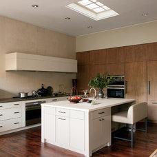 Modern Kitchen by Suzanne Rheinstein & Assoc. | AD DesignFile - Home Decorating