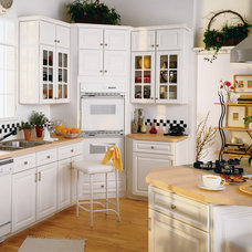 Kitchen Cabinetry by Economy Plumbing Supply & the HomeStyle Showrooms