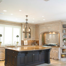 Traditional Kitchen Cabinetry by Wm. E. Tyssen Furniture & Millwork Ltd.