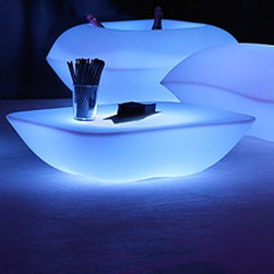 Vondom - Vondom | Pillow Table LED - Design by Stefano Giovannoni, 2012.