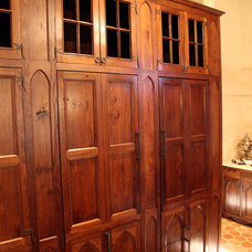 Traditional Kitchen Cabinets by Hull Historical