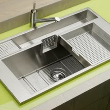 elkay20large20kitchen20sinks20and20modern20faucets.jpg photo by JPDSODPB