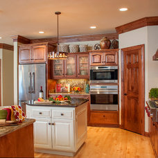 Transitional Kitchen by Suzan J Designs - Decorating Den Interiors