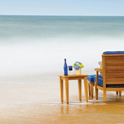Outdoor Furniture For Oceanfront Houses - Get your toes in the water! The teak Ocean Grande collection from Summer Classics is ideal for your beach space!