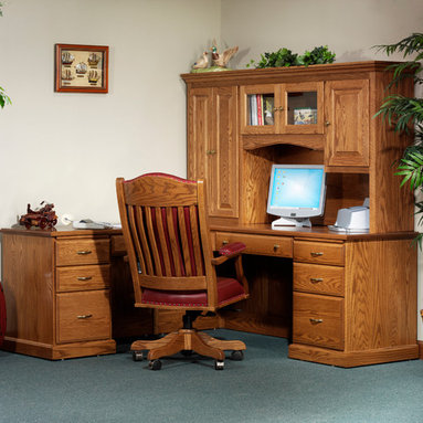 Highland L-Desk with 825 Hutch -