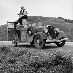 Dorothea Lange, Portrait of The Photographer Print - Portrait of WPA Photographer and Resettlement Administration photographer Dorothea Lange in California,Feb 1936.