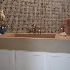 Modern Powder Room by redu interior design
