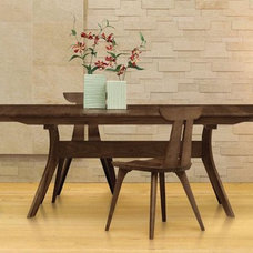 Modern Dining Tables by furnish.
