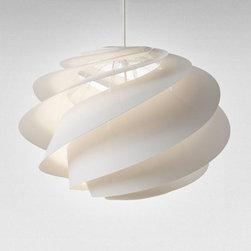 Le Klint - Le Klint | Le Klint Swirl 1 Pendant Light - Design by Øivind Slaatto.