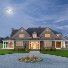 Traditional  by Aquidneck Properties
