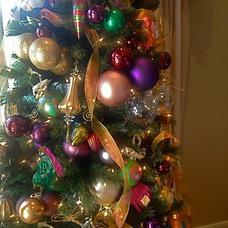 Traditional  Christmas Decorating