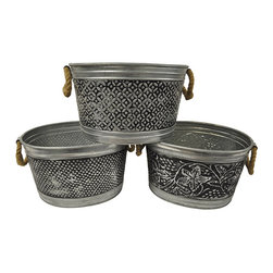 KINDWER - 14-inch Antiqued Metal Tubs (Set of 3) - This set of three (3) Antiqued Metal Tubs is a classic and practical way to celebrate your next outdoor gathering. Made of durable galvanized metal, fill them with ice and beverages and let the party begin.