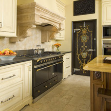 Traditional Kitchen by Astleford Interiors, Inc.