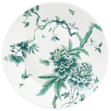 Contemporary Dinner Plates by WWRD United Kingdom