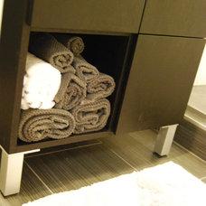 Modern Bathroom by Nicole Lanteri Design