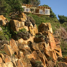 Incredible 500-square-foot Small House on a Cliff with Waterview