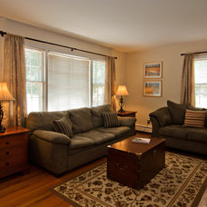 Traditional Living Room by Home Preppers