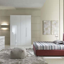 Made in Italy Leather Platform Bedroom Furniture Sets with Extra Storage - Italian modern bedroom set bomber. This bedroom set offers an elegant blend of traditional elements with modern simplicity of lines that produces a unique and rich flair perfect for any contemporary bedroom.
