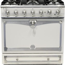 La Cornue Albertine Ivory Stove - This gorgeous authentic French range with a single door is designed to appeal to the American cook who's used to a larger oven. Many ranges of this style have two small ovens which are a tough sell.