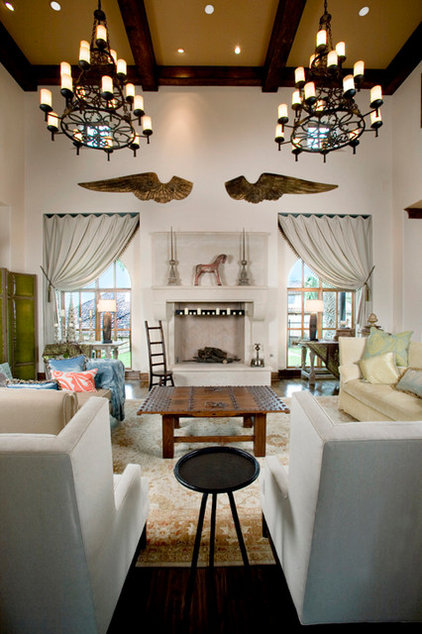 Traditional Living Room by Braswell Homes Inc