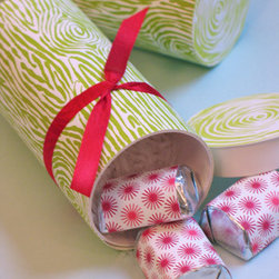Letterpress Yule Log - This festive yule log is so adorable it almost doesn't even matter what's inside (almost). Stuff it with a handful of simple sweets and step back to see the big smile on the recipient's face when you hand it to them.
