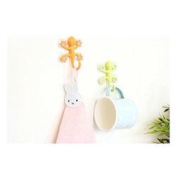 Creative Gecko Pattern Modern Wall Hook(Send by Random) - Candy color gecko molding silicone sucker hooks are made of ABS& silica gel.