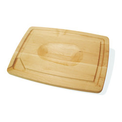 J.K. Adams - Pour Spout Board, 16 x 12 - Pour it on! The meat juices, that is. This maple wood carver boasts an engineered spout so you can direct juices cleanly back into a roasting pan for a quick reduction or gravy.