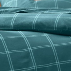 Garnet Hill - Garnet Hill Paintbrush Plaid Flannel Bedding - Double - Fitted - Turquoise Plaid - This wide windowpane plaid flannel bedding is a versatile pattern to mix with solids or other prints. This warm pure cotton flannel is brushed to provide sumptuous softness. Due to the napped finish of this comfy flannel style, pilling is a natural result; shedding and pilling will diminish with washing. Fitted sheet is fully elasticized for a better fit.