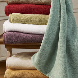 Cloud Soft Towel - These cloud soft, ring spun cotton bath towels are a delight against the skin. Super soft, absorbent, non-linting and they wash beautifully. From our Bath Collection, these towels and bath mat are all natural combed cotton with no chemical additives.