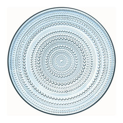Iittala - Kastehelmi Large Plate Light Blue - A classic pattern — in production from 1964 to 1988 — is back to beautify your table. Concentric rings of glass dewdrops form the graceful pattern to enhance the appeal of any meal.