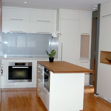 Contemporary Kitchen by Tracy Topham Interior Design