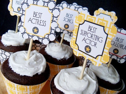 contemporary  Oscar Cupcakes