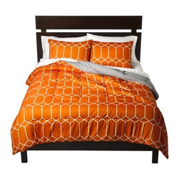 Room Essentials Geo Comforter, Orange - Use this with plain white, or even chocolate brown, sheets to ensure this gets the full attention it deserves. There's nothing like resting on a fabric with a pretty pattern.