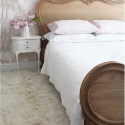 Traditional Beds -