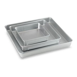 Wilton - Wilton 3-Piece Square Cake Pan Set - Create dramatic, special occasion cakes with this three piece square cake pan set. The quality aluminum pans are three different sizes, letting you set your cake in tiers or any style you like.