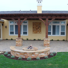 Rustic  by Lifescape Custom Landscaping, Inc.