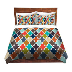 DiaNoche Designs - Duvet Cover Twill by Organic Saturation - Earthy Quatrefoil - Lightweight and soft brushed twill Duvet Cover sizes Twin, Queen, King.  SHAMS NOT INCLUDED.  This duvet is designed to wash upon arrival for maximum softness.   Each duvet starts by looming the fabric and cutting to the size ordered.  The Image is printed and your Duvet Cover is meticulously sewn together with ties in each corner and a concealed zip closure.  All in the USA!!  Poly top with a Cotton Poly underside.  Dye Sublimation printing permanently adheres the ink to the material for long life and durability. Printed top, cream colored bottom, Machine Washable, Product may vary slightly from image.