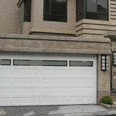 Modern Garage Doors by YI CHENG DOORS CO., LTD