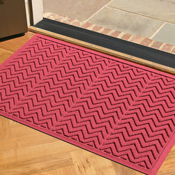 Frontgate - Chevron WATER & DIRT SHIELD Mat - Your love of chevron will always be obvious when this mat is at your front door. And the price is right at just $40.